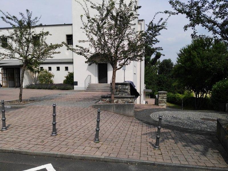 Katholische Kirche in Niederhöchstadt